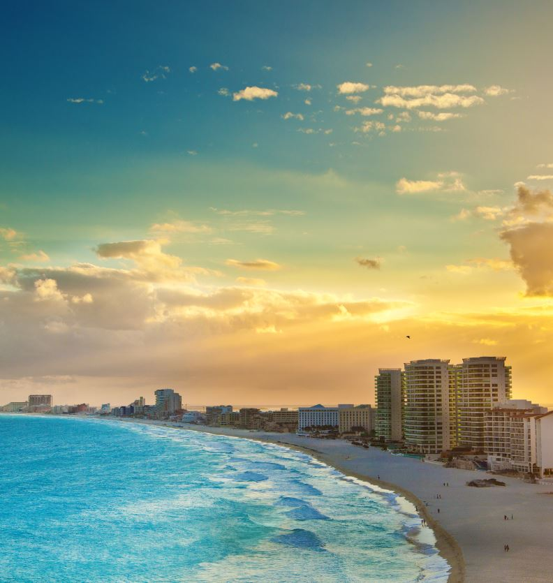Sunset-in-Hotel-zone-of-Cancun