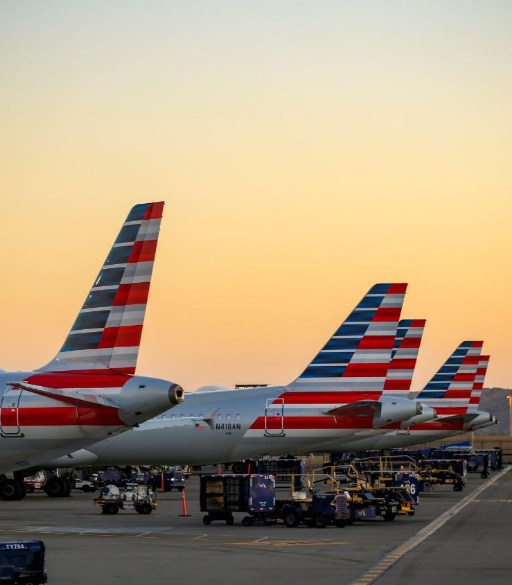 American-Airlines-planes