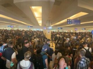 Viral Photo Shows Packed Cancun Airport Over U.S. Long Weekend