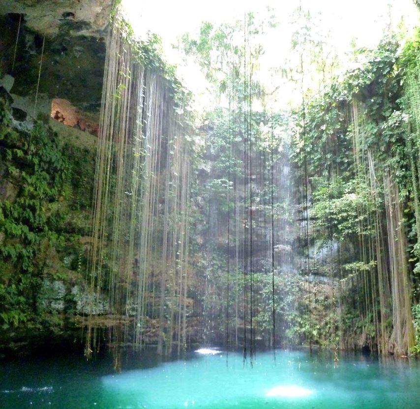 Cenote in Riviera Maya (2)