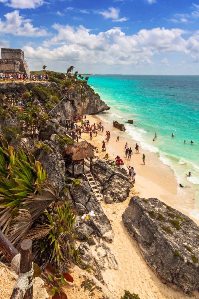 Mayan-ruins-near-beach-in-Mexico
