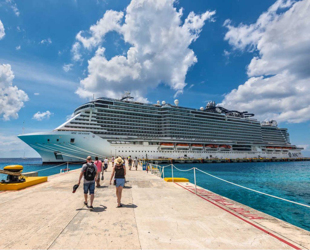 Msc-cruise-ship-docked