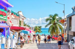 The Latest Cancun Travel Restrictions Tourists Need To Know