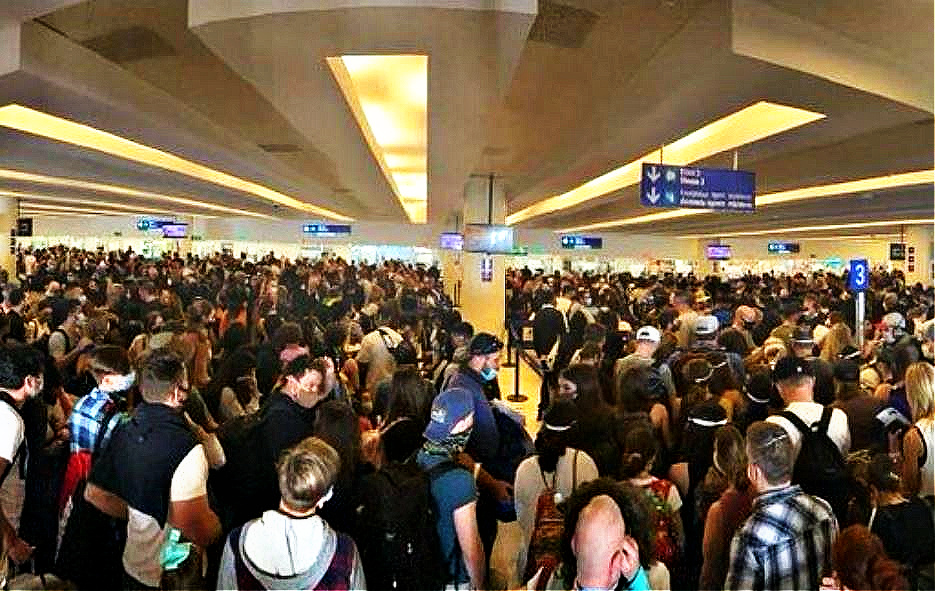 Cancun-Airport-Reports-Busy-Weekend-Despite-New-Restrictions