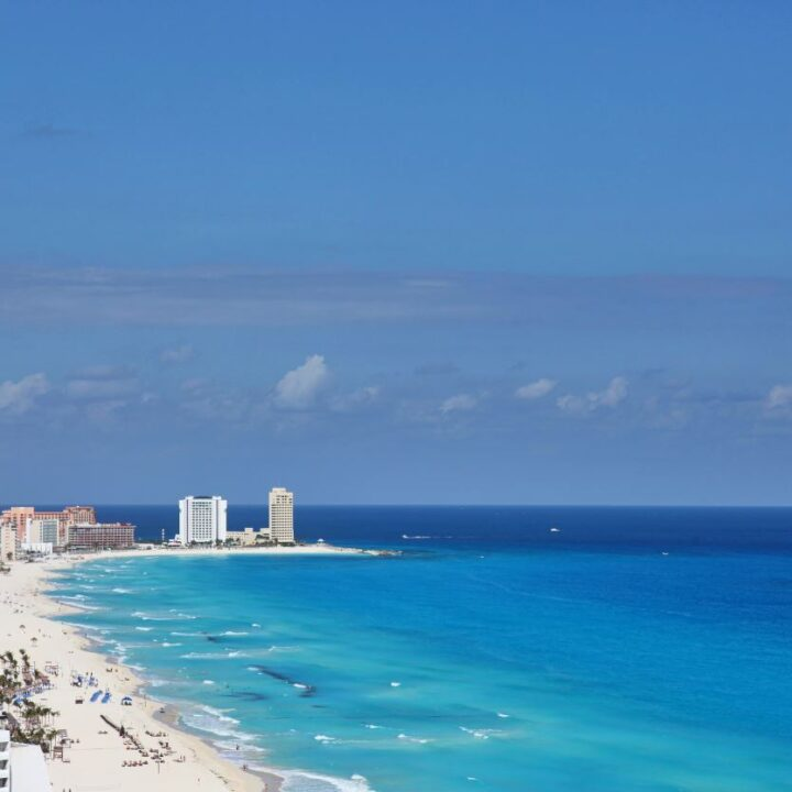Tourism in Cancun Spikes As 300,000 American Tourists Visit In March