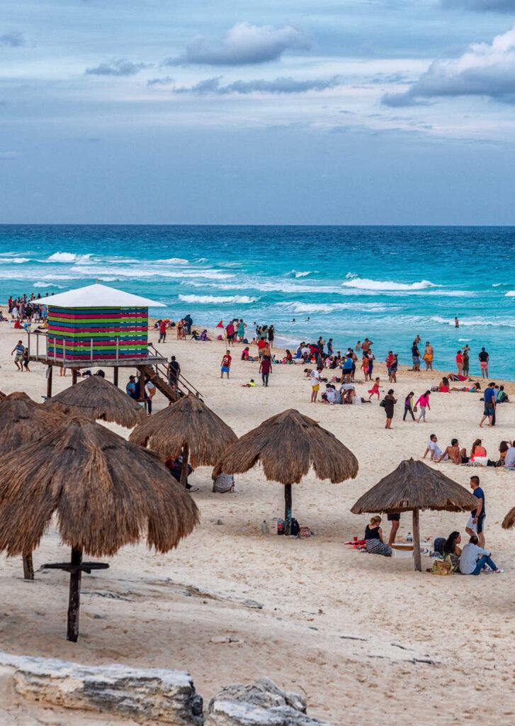 Busy-Cancun-Beach-727x1024