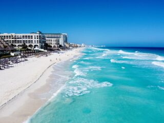 Cancun Sets Pandemic High Record With Over 1.5 Million Tourists In March