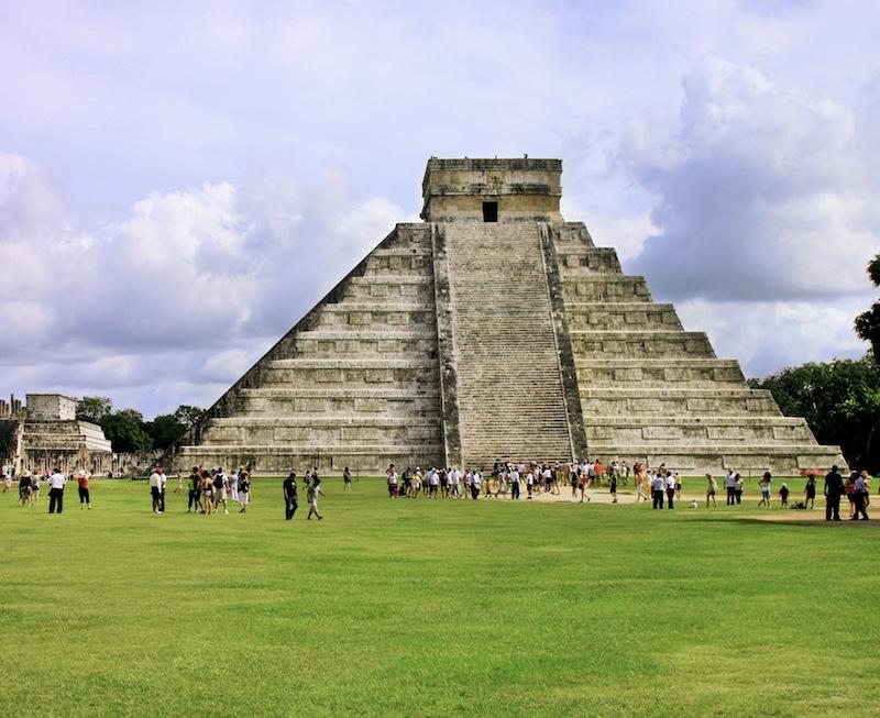 Kukulkan mayan Pyramid in Chichen Itza Site
