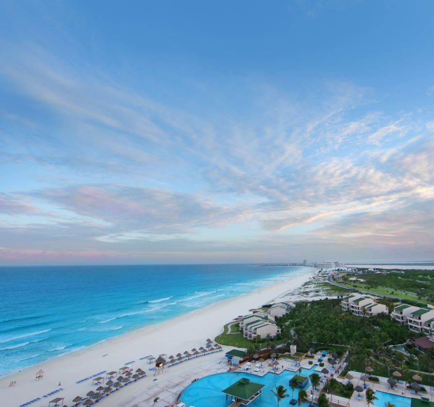 Tourist-beach-cancun