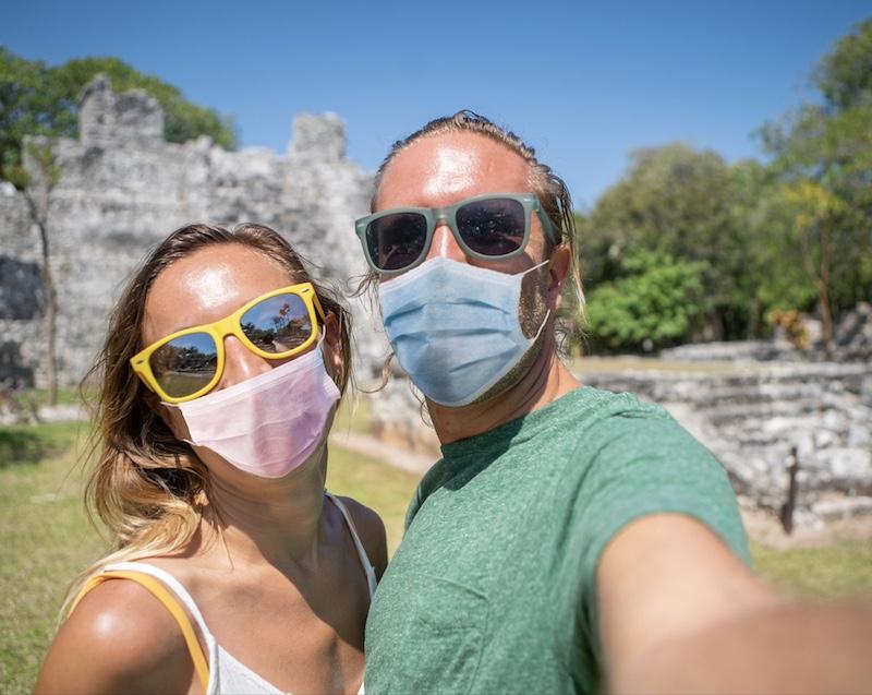 tourists masks Cancun