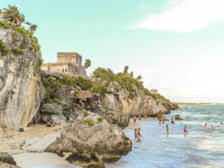 Archeological-Zone-of-Tulum-Has-Now-Reopened-For-Tourists