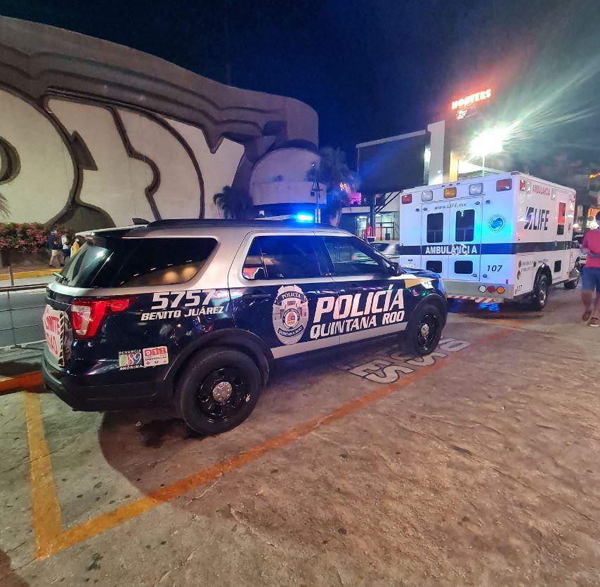 cancun police van and ambulance