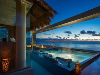 Every year The World Travel Awards recognizes and rewards excellence across the global travel and tourism industry. From resorts, destinations to even airports, the category list is long. Here are 6 hotels and resorts in Cancun that made the 2021 nomination list.