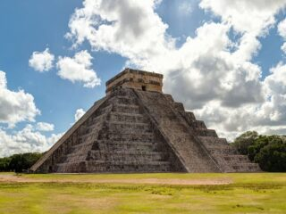 As one of the seven wonders of the world, Chichen-itza is one of the most magical and historical places in all of Mexico to visit. Located in the beautiful Yucatan Peninsula - here are 4 tours to guide your exploration around this sacred land.